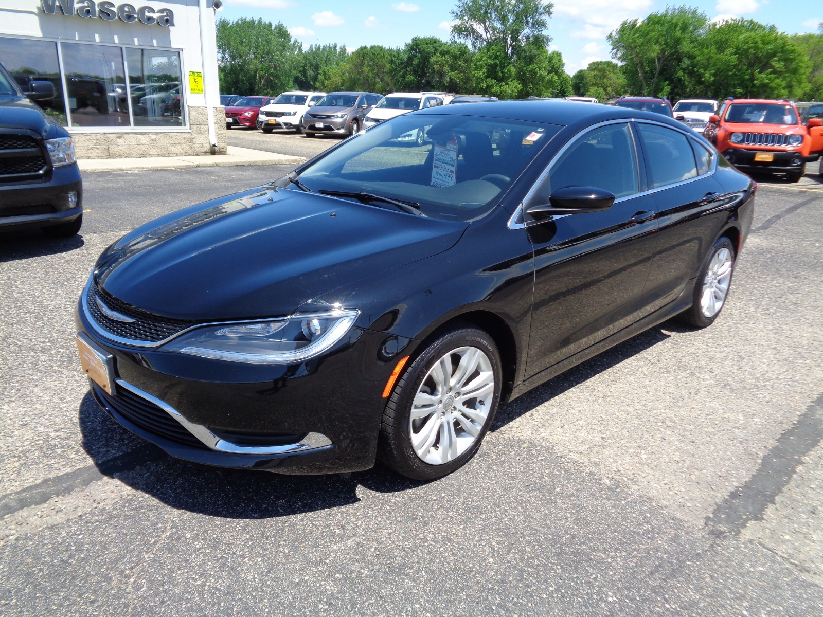 Chrysler 200 Limited >> Certified Pre Owned 2015 Chrysler 200 Limited 4dr Car In Waseca
