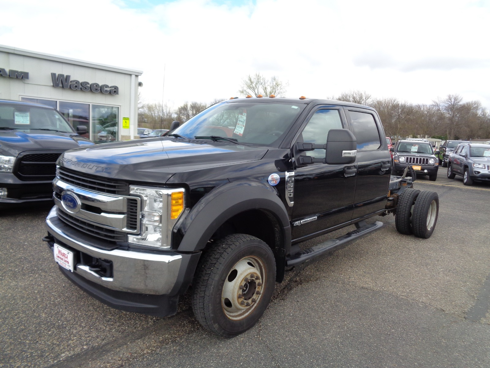 Pre-Owned 2017 Ford Super Duty F-550 Drw