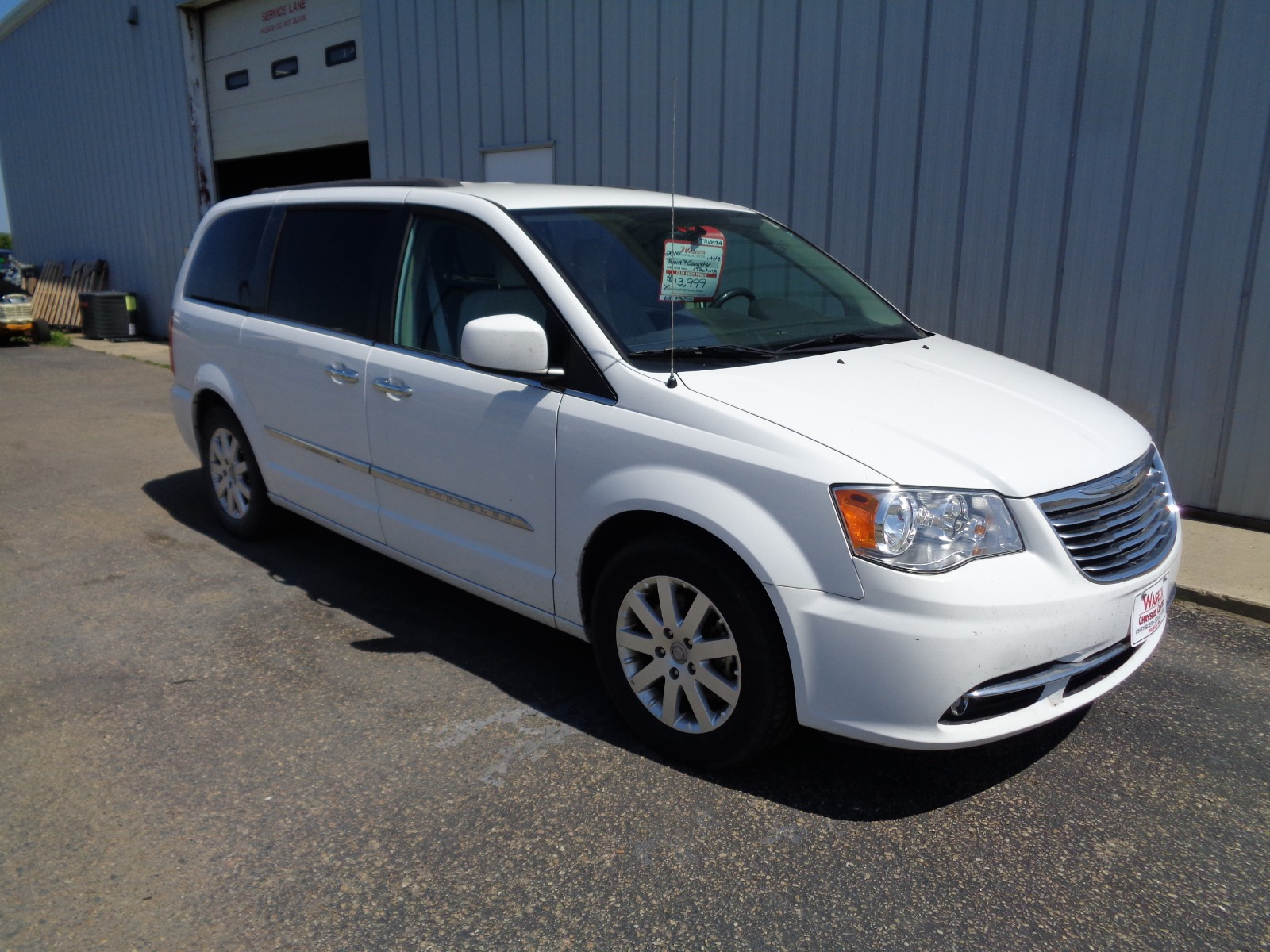 Pre-Owned 2014 Chrysler Town And Country Touring
