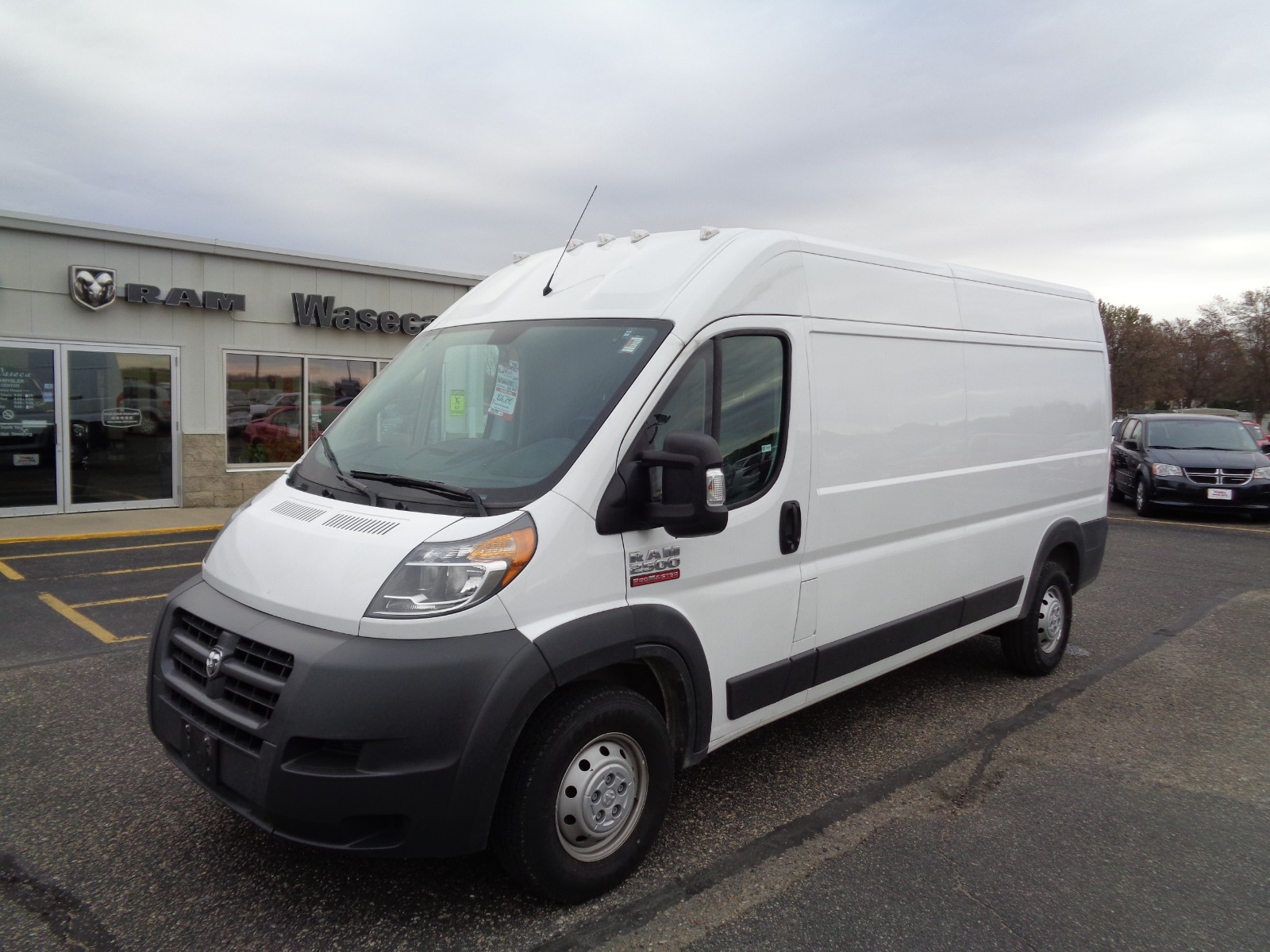 Pre-Owned 2017 Ram Promaster Cargo 2500 159 Wb